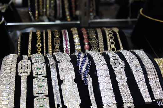 Diamonds net - Jewelry Set for Strong Growth in 2019 – Bain