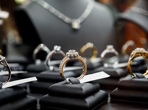 Diamonds.net - Diamond Demand Hits $82B High – De Beers