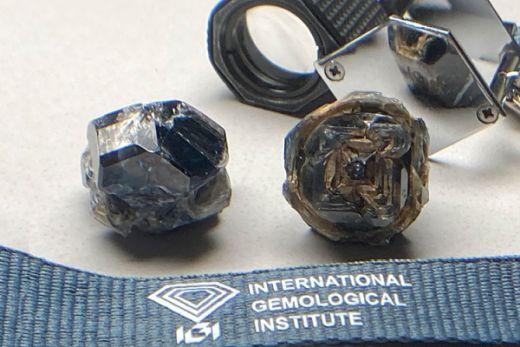 Черный бриллиант весом 115,65 карат искусственно выращенный в лаборатории IGI