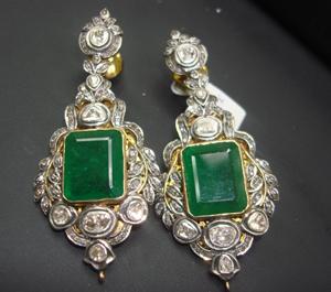 Miami 39 s antique jewelry watch show kicks for Miami beach jewelry watch show