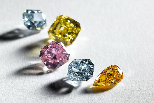 Diamonds.net - Fancy-Color Index Sees Decline in 2020